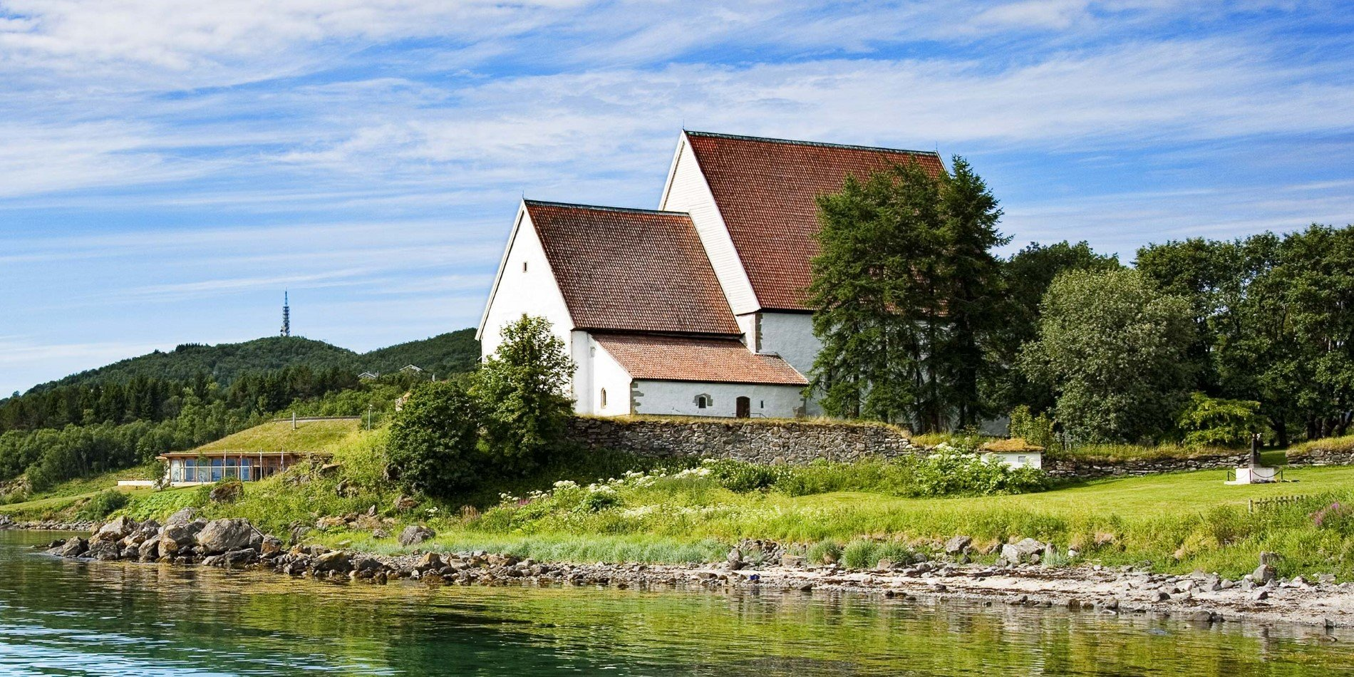 2500x1250_destinationharstad-no-Trondenes-Church-photo-Sør-troms-museum[2]_Topaz.jpg