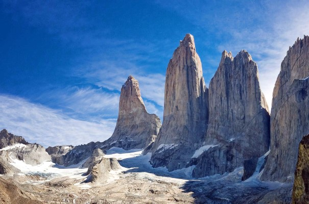 Nationalpark Torre del Paine mit Feslformationen in Patagonien, Chile.